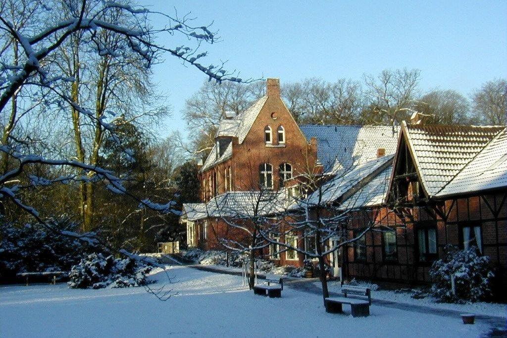 Turm_Winter_2_Kirchröder_Institut.jpg